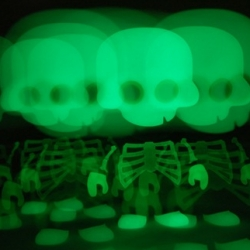 FERG - CHIPP S003 [Halloween Skelsuit] drops today! And it's adorably glowy!