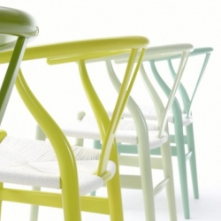 Hans Wegner's iconic Wishbone Chairs now come in juicy new shades thanks to Danish design firm Carl Hansen & Son.