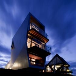 The beautiful new Mona Pavilions in Australia. Where art, meets wine, meets design. Designed by designed by Nonda Katsilidis, of Fender Katsilidis in association with Antarctica Group.