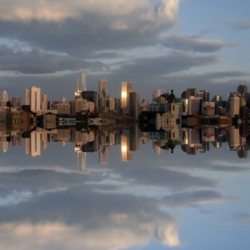 Floating Chicago by Craig Shimala, amazing mirrored skyline timelapses. Dreamlike!