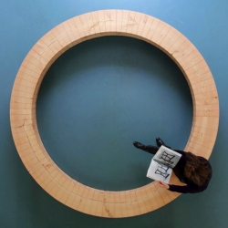 Shared space, a circular bench from one 10m beam by Chris Kabel.