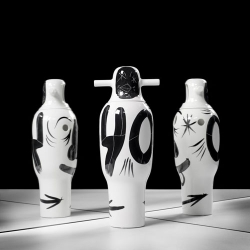 To celebrate its 40th birthday, BD Barcelona Design launches a limited-edition collection of 40 vases hand painted by Jaime Hayon.