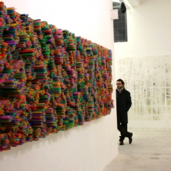 Straws by Francesca Pasquali is a 3D installation made entirely from straws.