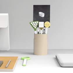 'Toolkit' is a set of four objects for the desk. These volumes are to be placed in a pen pot and allow to give visibility to items that are usually at the bottom of it, such as paper clips or pins.