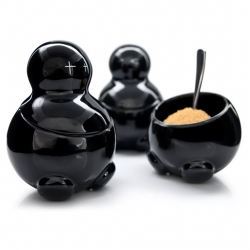 Brand new 'evil' tea, sugar & coffee storage jars from Thabto called Lex, Seth & Carrie. Their eyes tell you what's inside, and their heads have room for the handle of a spoon.
