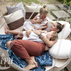TiiPii Bed can be hung indoors or out, under the patio, down the beach, in the garden or from your favorite shady tree.  Capable of supporting 170kg, adults will love this as much as the kids.