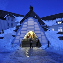 Timberline Lodge is a winter house located in Oregon. Designed to combat the high snow drifts that accumulate at the entrance each year....