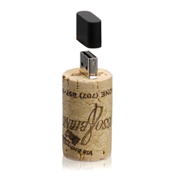 Rosso & Bianco wine cork/USB designed by Francis Ford Coppola 2 years ago.  Only a limited amount were produced in 2007. Look for 2009 versions in the coming months!