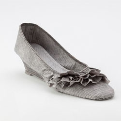 Inkjet printed paper shoe by Julie Von Der Vellen.