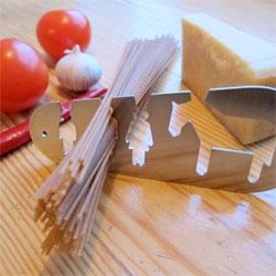 Stefán Pétur Sólveigarson's adorable spaghetti measuring tools.