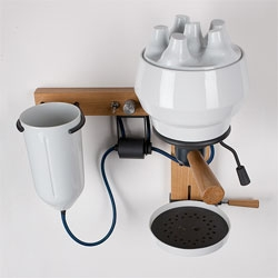 Arvid Hausser's Seppl, an espresso machine made of porcelain!
