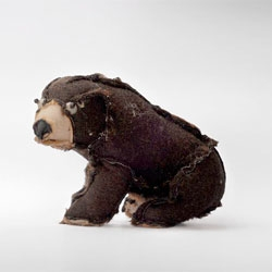 Outsiders, an interesting project from Atelier Volvox that turns stuffed animals inside out.