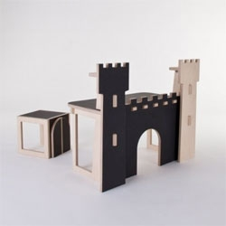 Forteresse, a castle of a desk for kids by At Once.