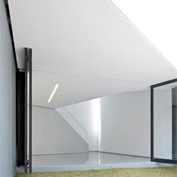 Beautiful mini-studio by FRENTEarquitectura.