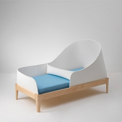 Hyunjin Seo and Jaekyoung Kim's Ahye children's bed.