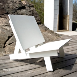 Taavi lounge chair from Loll designs.