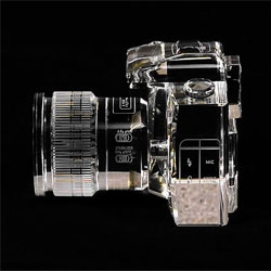 Fotodiox produces Canon 7D replicas in crystal. The beautifully detailed replicas are 2/3 life size.