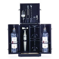 Tumi and Ketel One have teamed up to create a special Mixology Set.