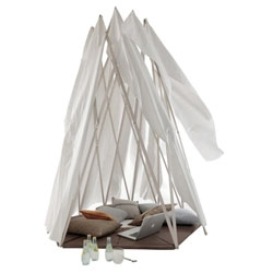 MIKASI / Tipi is a poetic homage to nomadic tipis.