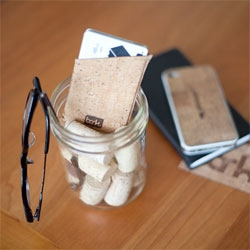Bark, a minimalist wallet made from cork.