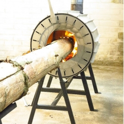 The Spruce Stove, which burns an entire log. Designed by Michiel Martens and Roel de Boer.