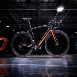 The new S-Works McLaren Tarmac co-developed by Specialized and McLaren.