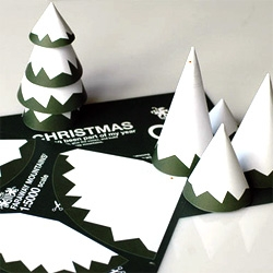 Kenn Munk sent out some awesome DIY xmas tree snail mail cards this year!