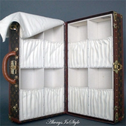 Wow, a vintage Louis Vuitton Shoe Trunk ~ i wish my shoes could always travel in such luxurious protection!