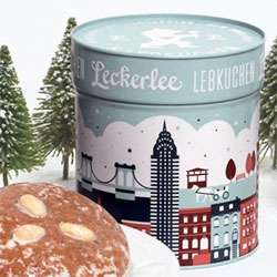 A limited edition NYC themed Lebkuchen tin designed by Strohl for Leckerlee.
