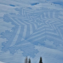 Beautiful snow art by Simon Beck.