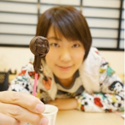 Shibuya's FabCafe 3D scans and 3D prints a mold to create versions of your face in chocolate for Valentine's Day.
