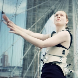 Playing the Brooklyn Bridge? Di Mainstone wants to allow pedestrians to play the bridge with her project Human Harp.
