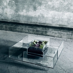Seasons, an all season glass table by Jean-Marie Massaud for Glas Italia.