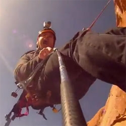 The World's largest rope swing in Moab, Utah. Amazing.