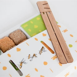 Ento. Eating insects by 2020? Fascinating project by Aran Dasan, Jacky Chung, Jonathan Fraser and Julene Aguirre-Bielschowsky, Innovation Design Engineering students at Royal College of Art and Imperial College London.