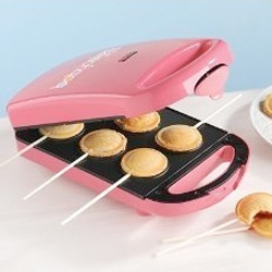 Now you can make your own pie pops with the babycakes Pie Pop Maker.
