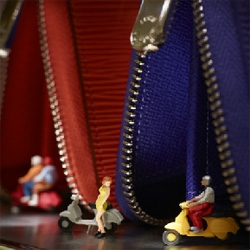 Plus Grand que Nature, miniature photography from Louis Vuitton by photographer Vincent Bousserez.