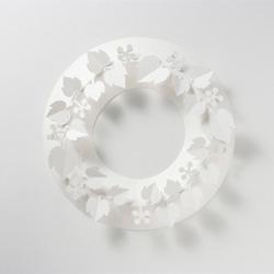 Paper Wreath by Chiori Ito Design.