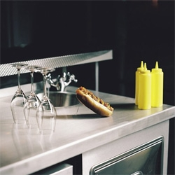 Champagne and hot dogs? NOMA Veterans Serve Up Hot Dogs and Champagne at the New London Eatery Bubbledogs.