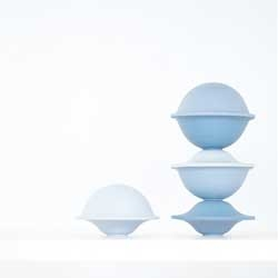 Chapeau bowls, a beautiful set of porcelain bowls by Milia Seyppel.