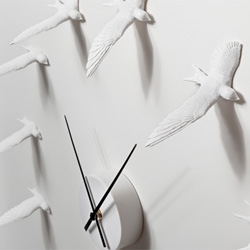Swallow X CLOCK from Haoshi Design uses 12 delicate handmade flying swallows to replace the boring numbers in ordinary clock.