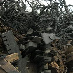 Countless Scraps, fascinating sculptures by Leonardo Drew.