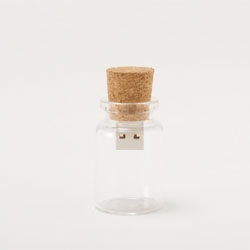 Hum Blank, a cute cork stopper USB memory stick.