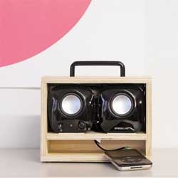 iPod-box, a boombox style docking system for your iPod from Konstantin Grcic.
