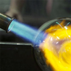 Glassblowing the Brooklyn Way with Alan Iwamura and David Ablon.