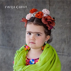 Love these kids Halloween costumes of Andy Warhol, Frida Kahlo, and Vincent Van Gogh.