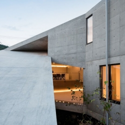 Concrete house in Hyogo, Japan by Shogo Aratani.