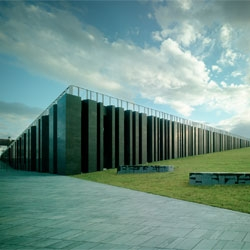 Heneghan Peng Architects' new visitor center for the Giants Causeway.