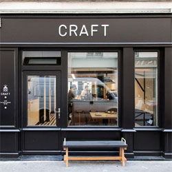 The beautiful Café Craft by POOL in Paris, a cute neighborhood coffee shop designed with office-less freelancers in mind!