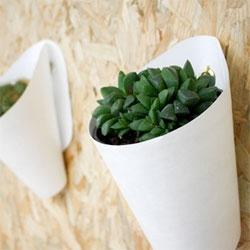 Opot hanging pots by  Clara del Portillo.